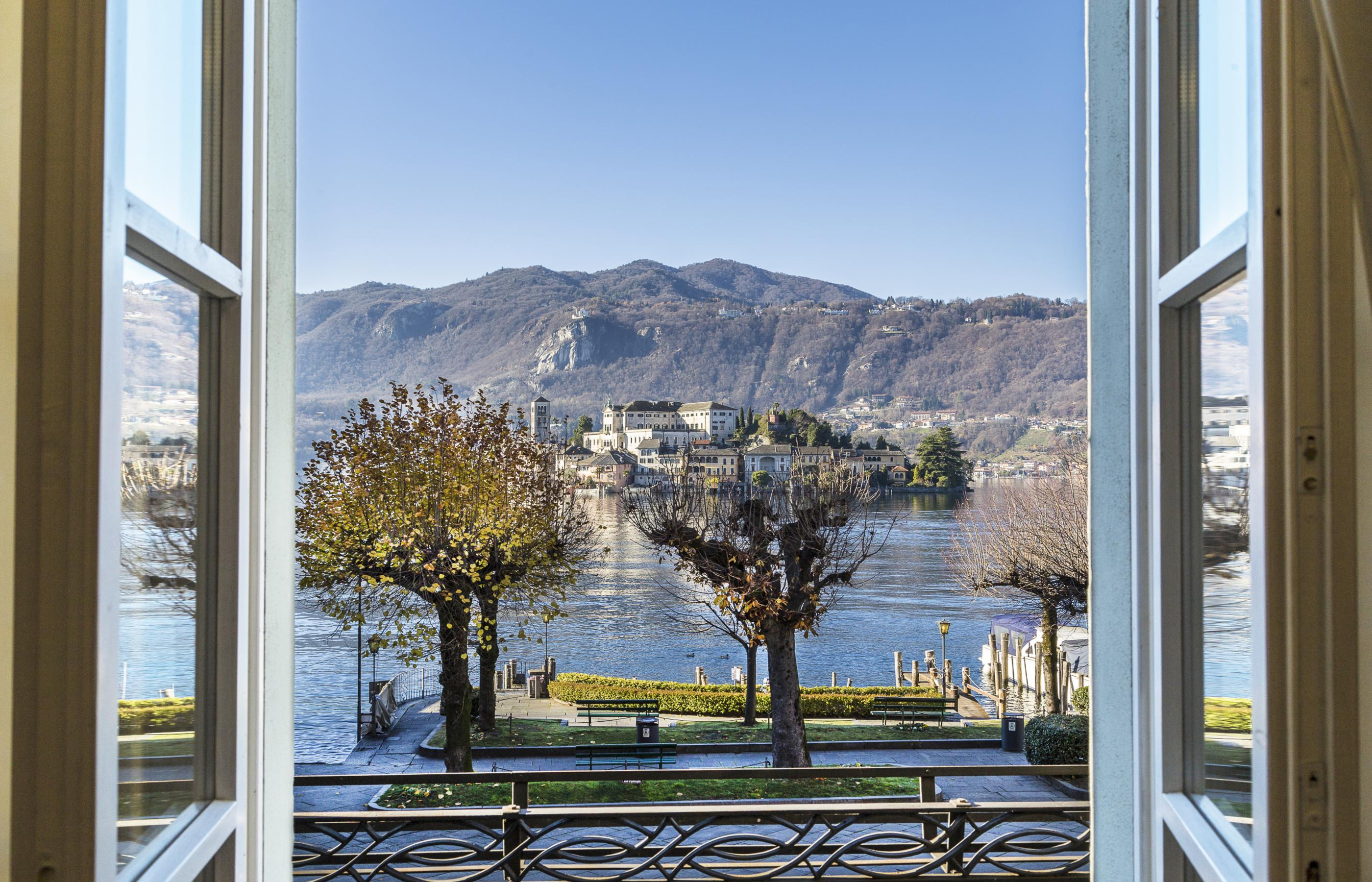 The holiday homes of Lake Orta