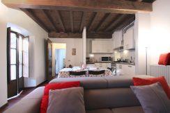 L'ANGOLO Appartamento Con Balcone E Ampio Soggiorno