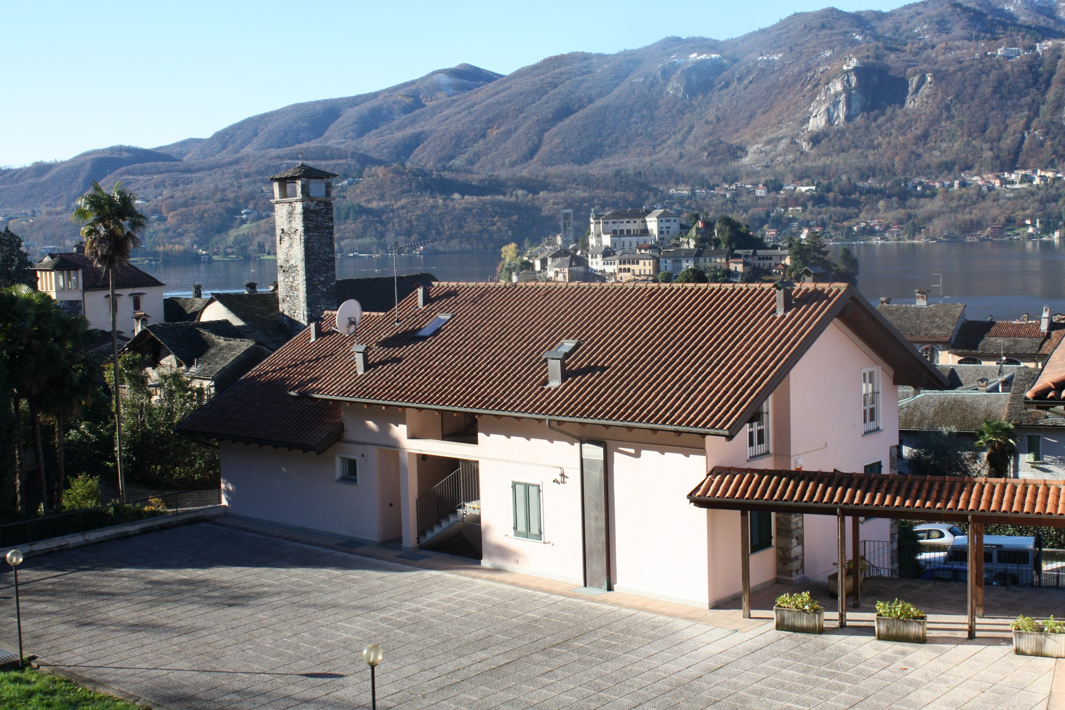 ORTA Apartment island view with parking