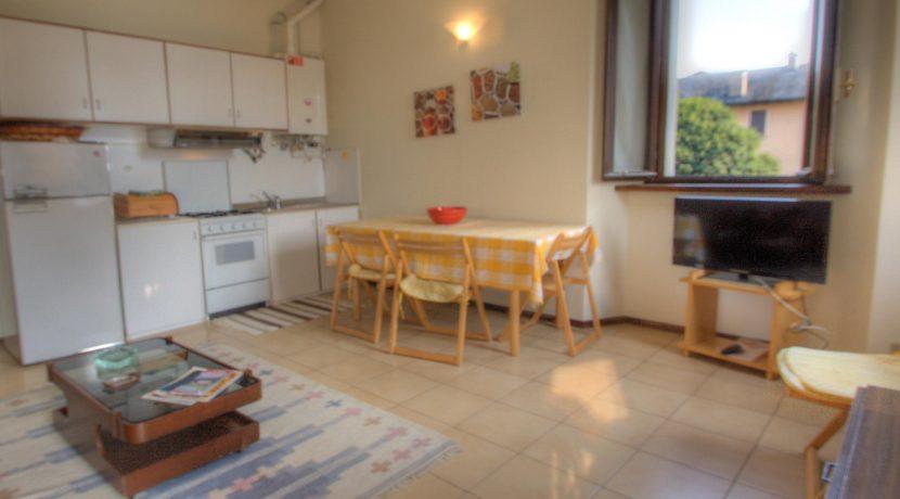 ORTA Appartamento Con Un Balconcino Vista Lago