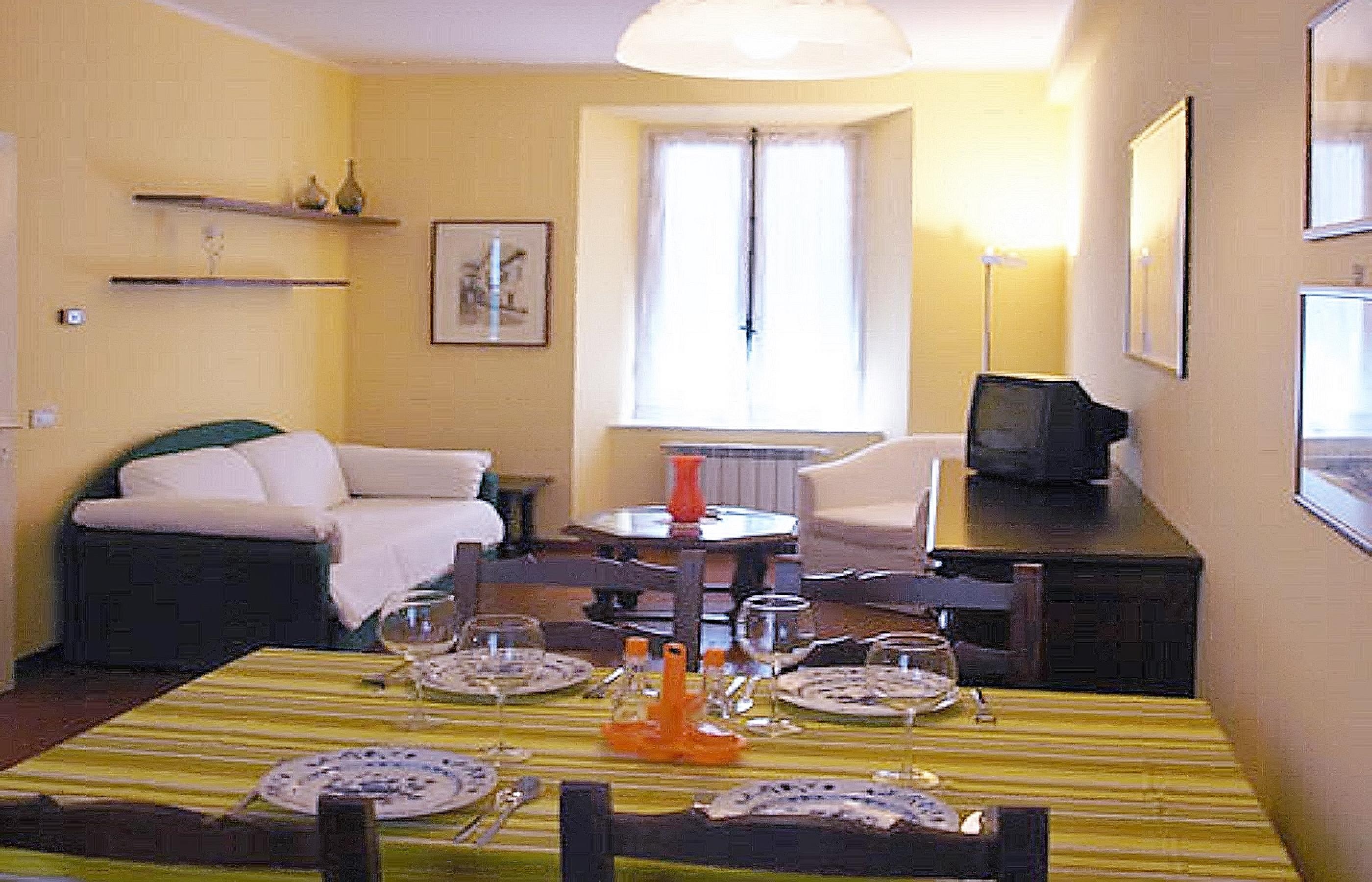 TRILO ACQUARELLO Appartamento con due camere e giardino