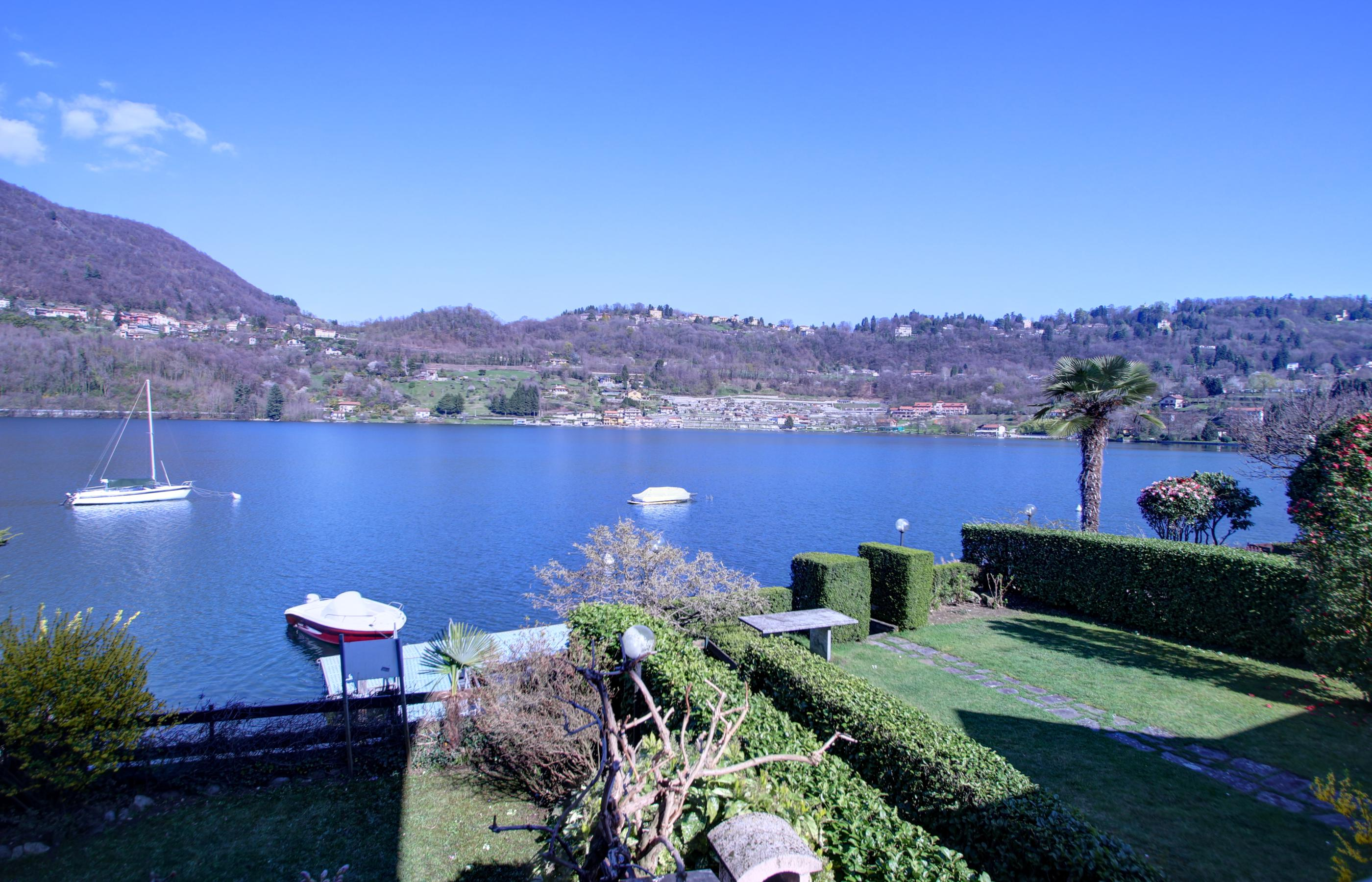 ORTA Two bedroom apartment directly on the lake