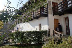 BASSOLA Ampia casa in zona tranquillissima