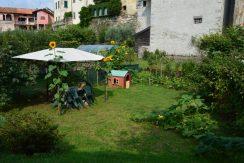 CARCEGNA Appartamento con duce camere da letto e giardino