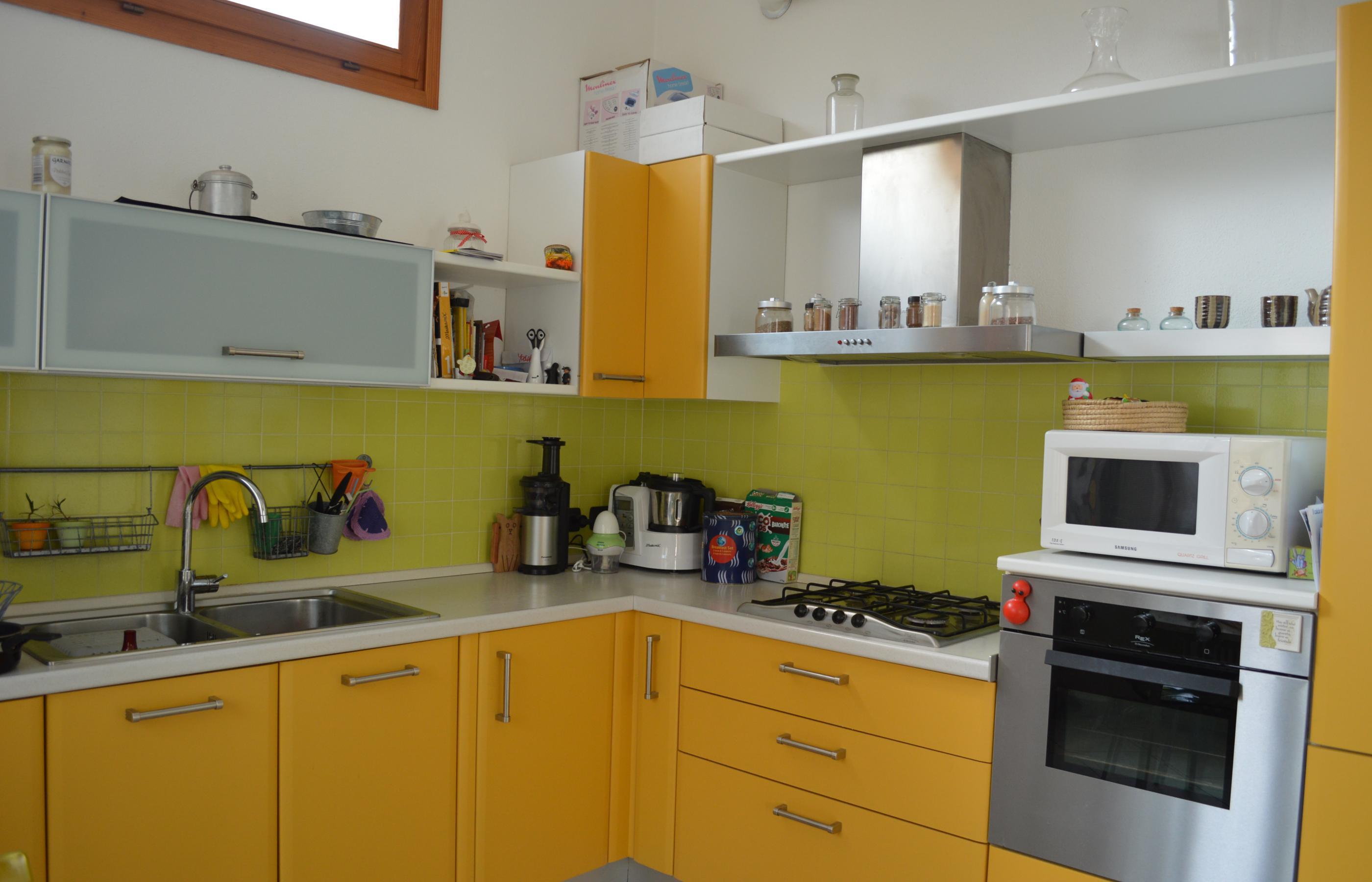 Carcegna appartamento con due camere e giardino ortalloggi for Piani casa 1800 a 2200 piedi quadrati
