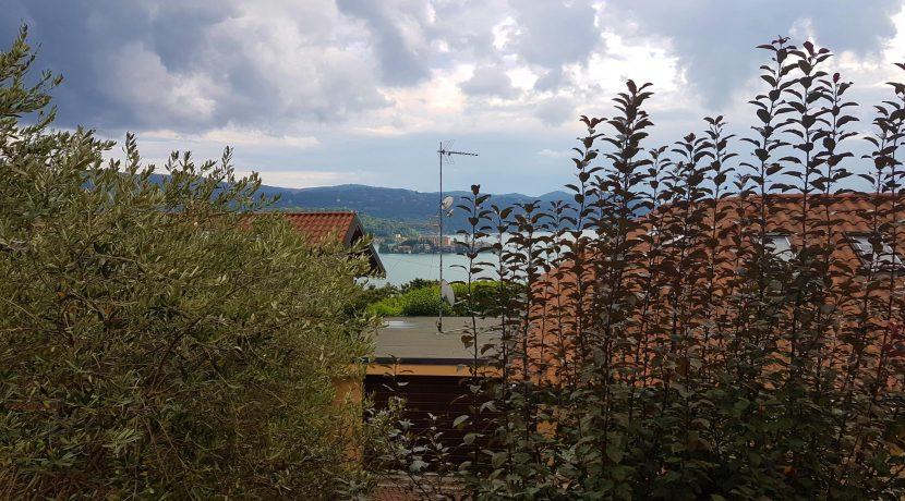 PELLA Splendida villa con giardino e vista lago