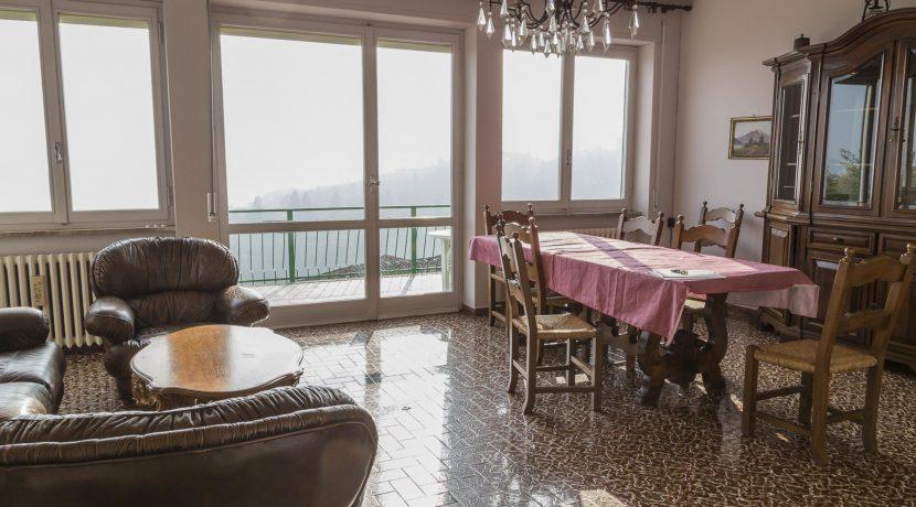 DAGNENTE Villa con splendida vista Lago Maggiore