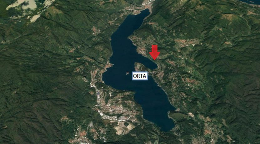 CARCEGNA Terreno vista lago