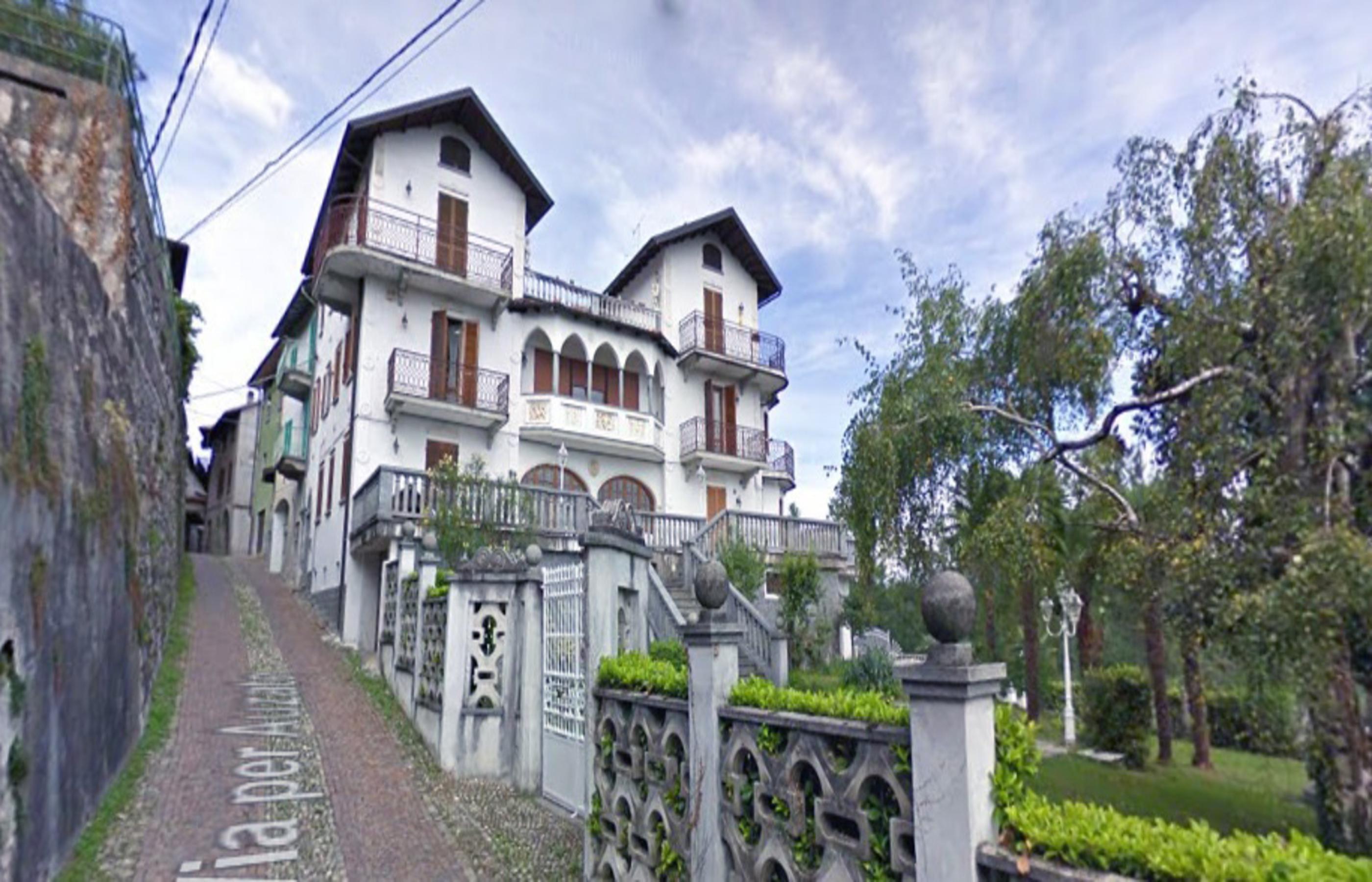 SORISO Grande proprietà immobiliare con giardino