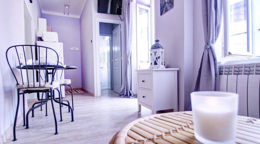 ROMANTICO NIDO Appartamento con parcheggio gratuito