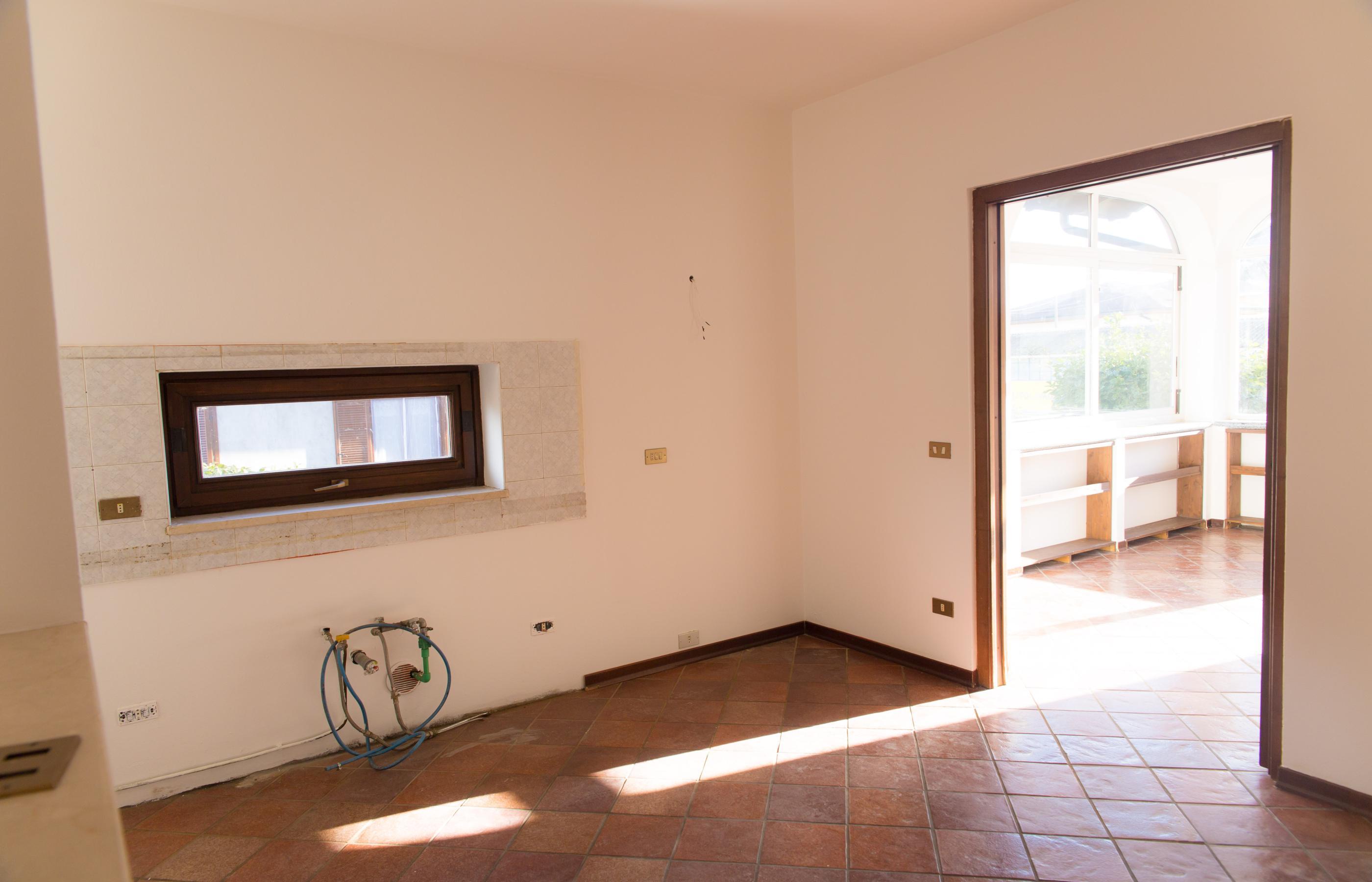 BORGOMANERO Appartamento con giardino e box doppio