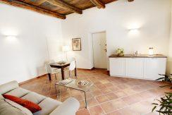 ORTA Ampio appartamento con due camere e terrazzi