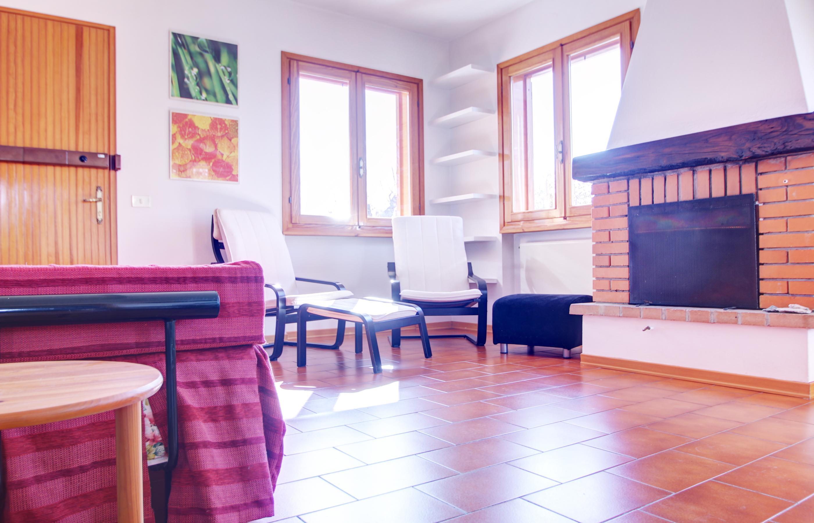vacciago appartamento con due camere da letto e due garage