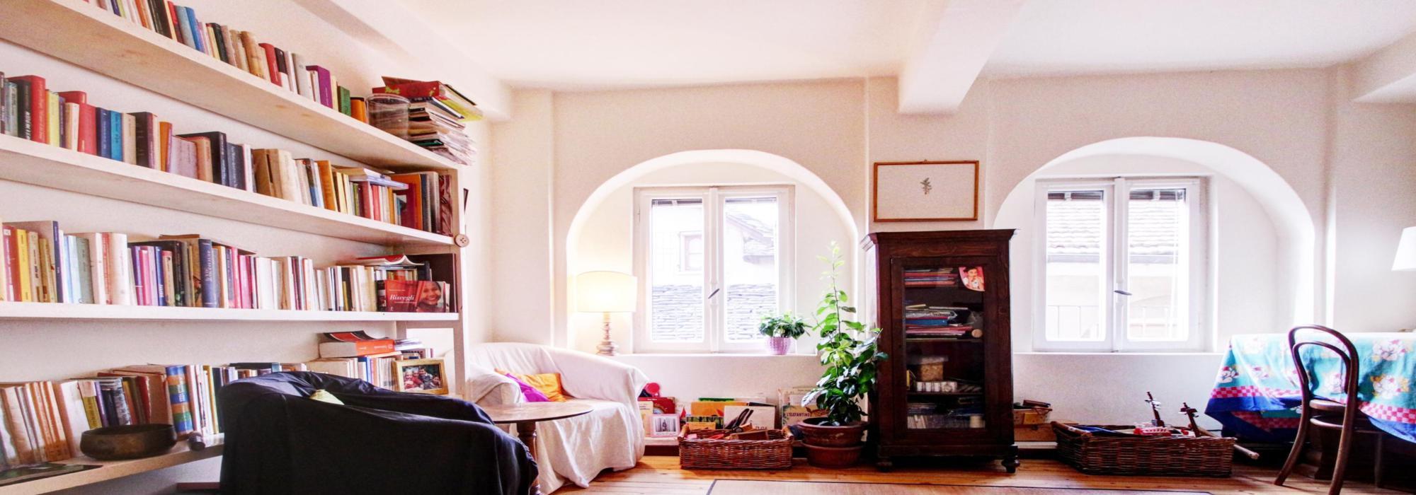 ORTA Appartamento all'ultimo piano ampio e luminoso