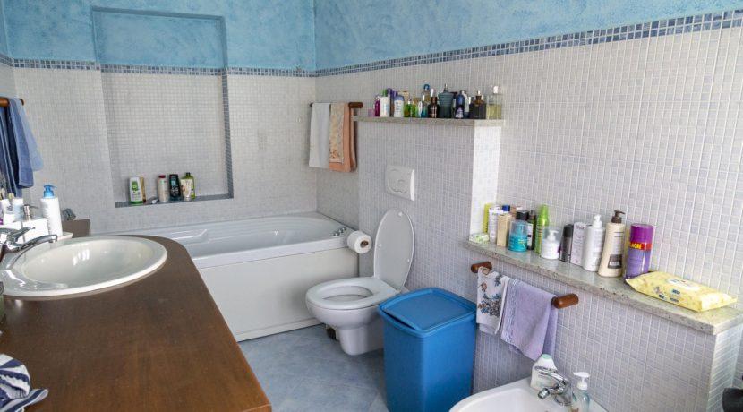 CARCEGNA Casale con due appartamenti ristrutturati 11_2800x1800
