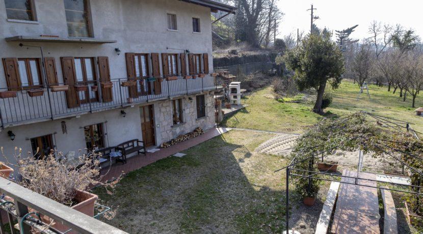 CARCEGNA Casale con due appartamenti ristrutturati 4_2800x1800