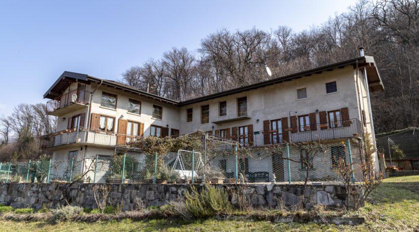 CARCEGNA Casale con due appartamenti ristrutturati_2800x1800