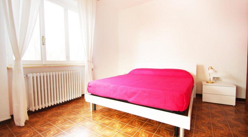 PETTENASCO Appartamento con due camere e terrazzo