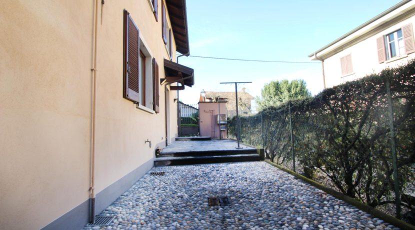 LEGRO Casa semindipendente ristrutturata con patio esterno