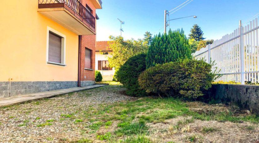 GOZZANO Villetta indipendente con giardino
