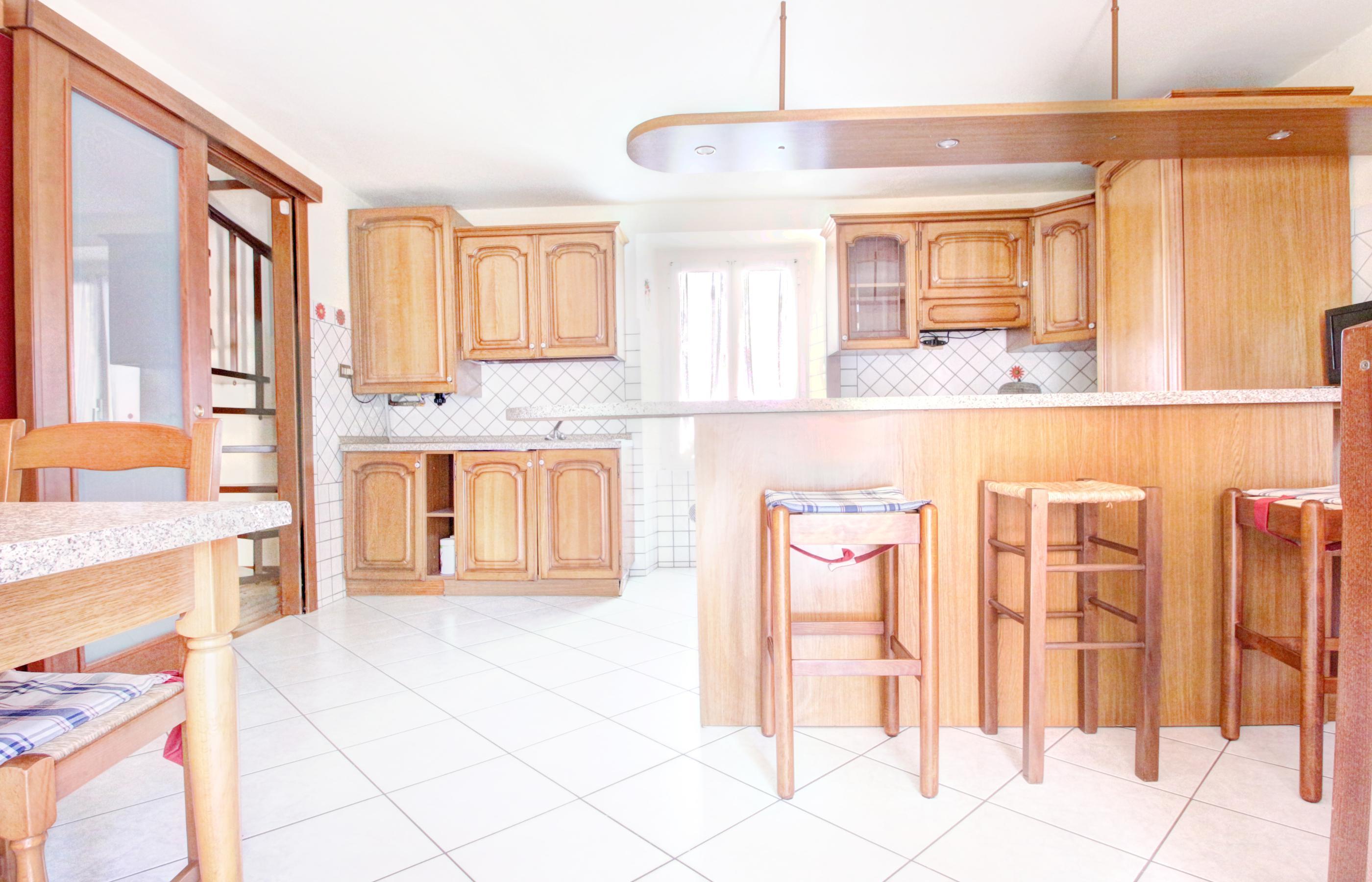 OMEGNA Casa semi indipendente con garage