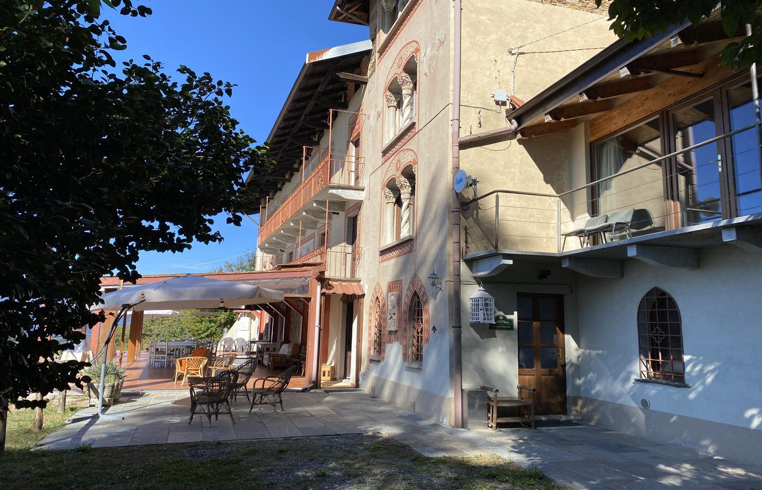 AMENO Grande casa anche per uso turistico ricettivo