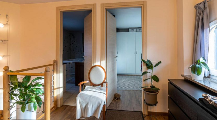 ortalloggi_appartamento_con_giardino_pettenasco_10_2800x1800