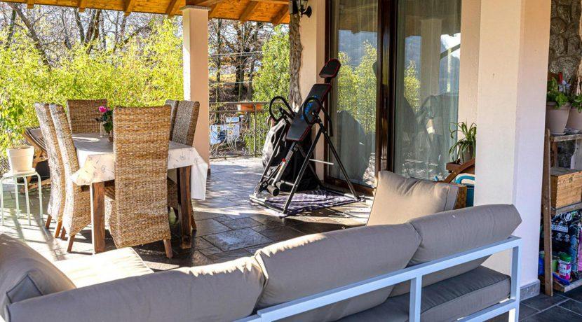 ortalloggi_appartamento_con_giardino_pettenasco_20_2800x1800