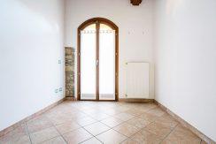 ortalloggi_armeno_bassola_appartamento_ristrutturato_camera_rustico_montagna4_2800x1800