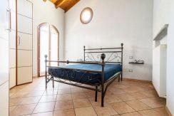 ortalloggi_armeno_bassola_appartamento_ristrutturato_camera_rustico_montagna_2800x1800