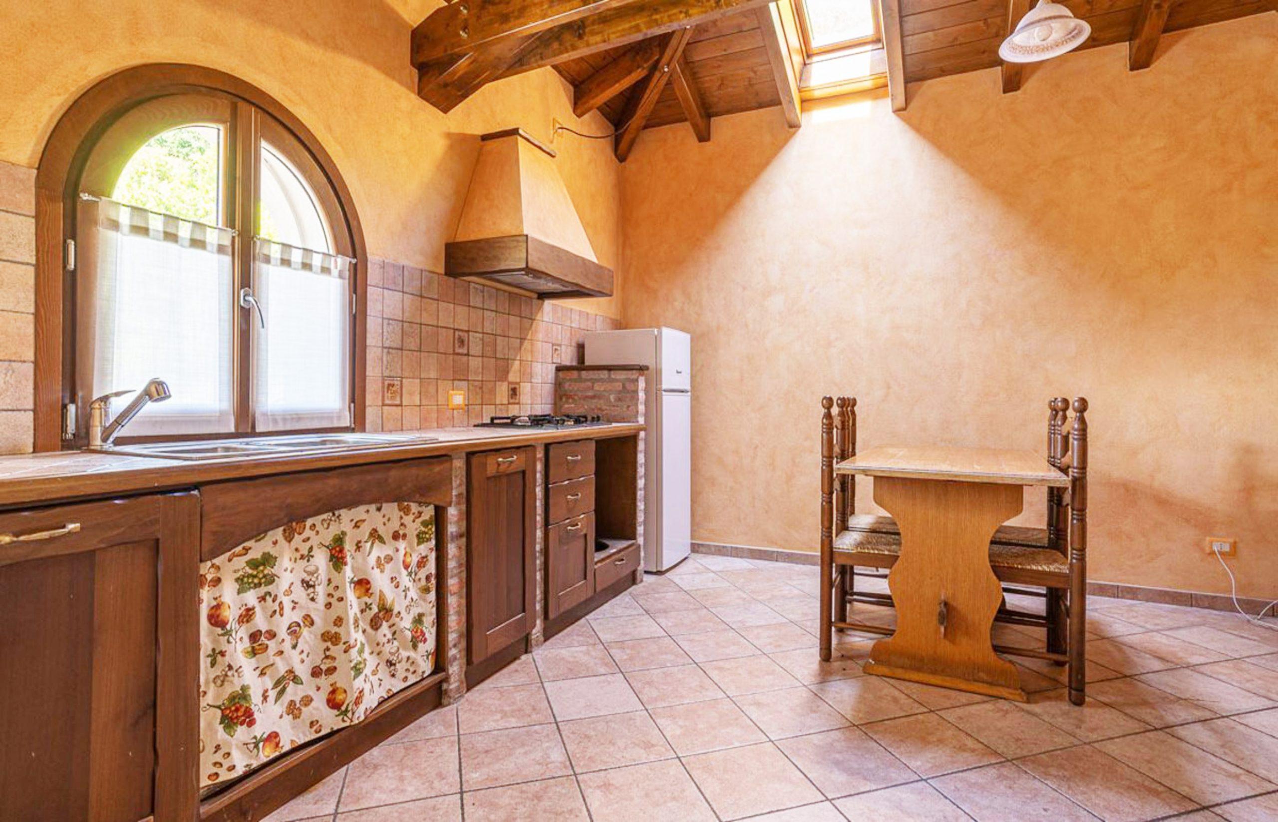 BASSOLA Appartamento con due camere