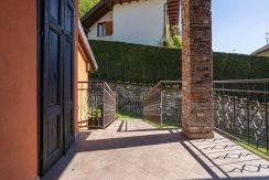 ortalloggi_armeno_bassola_appartamento_ristrutturato_camera_rustico_montagna_terrazzo_2800x1800