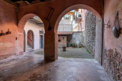 ortalloggi_miasino_carcegna_appartamento_ristrutturato_soggiorno_mansarda_tettoavista_crtile_2800x1800