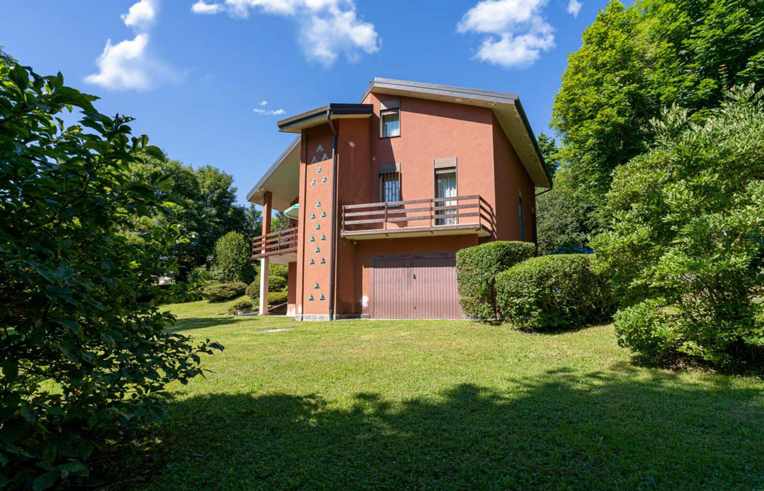 AMENO Villa with large garden