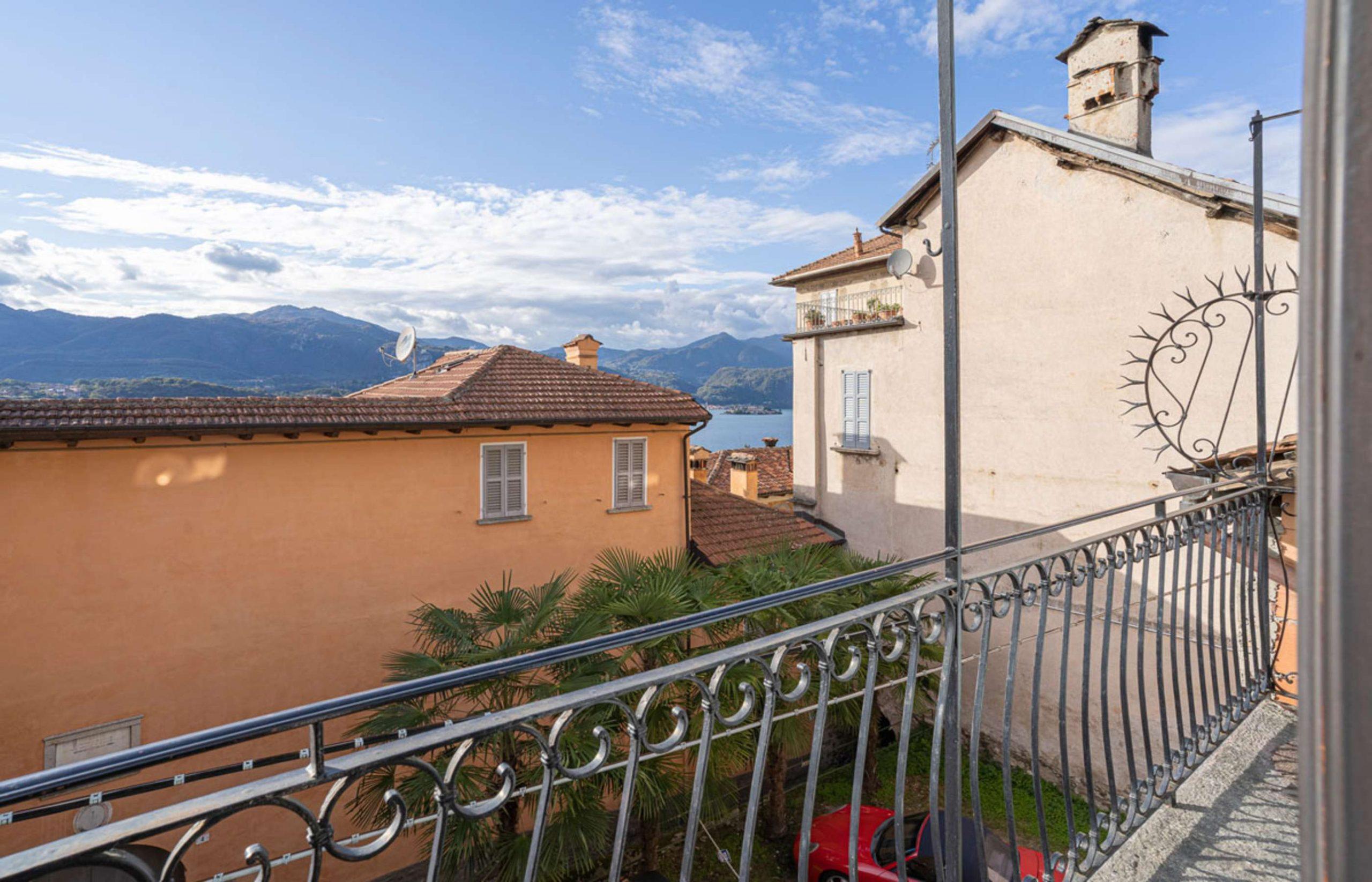 ORTA Appartamento con vista isola frazione Corconio