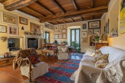 Granerolo Ancient house with private courtyard