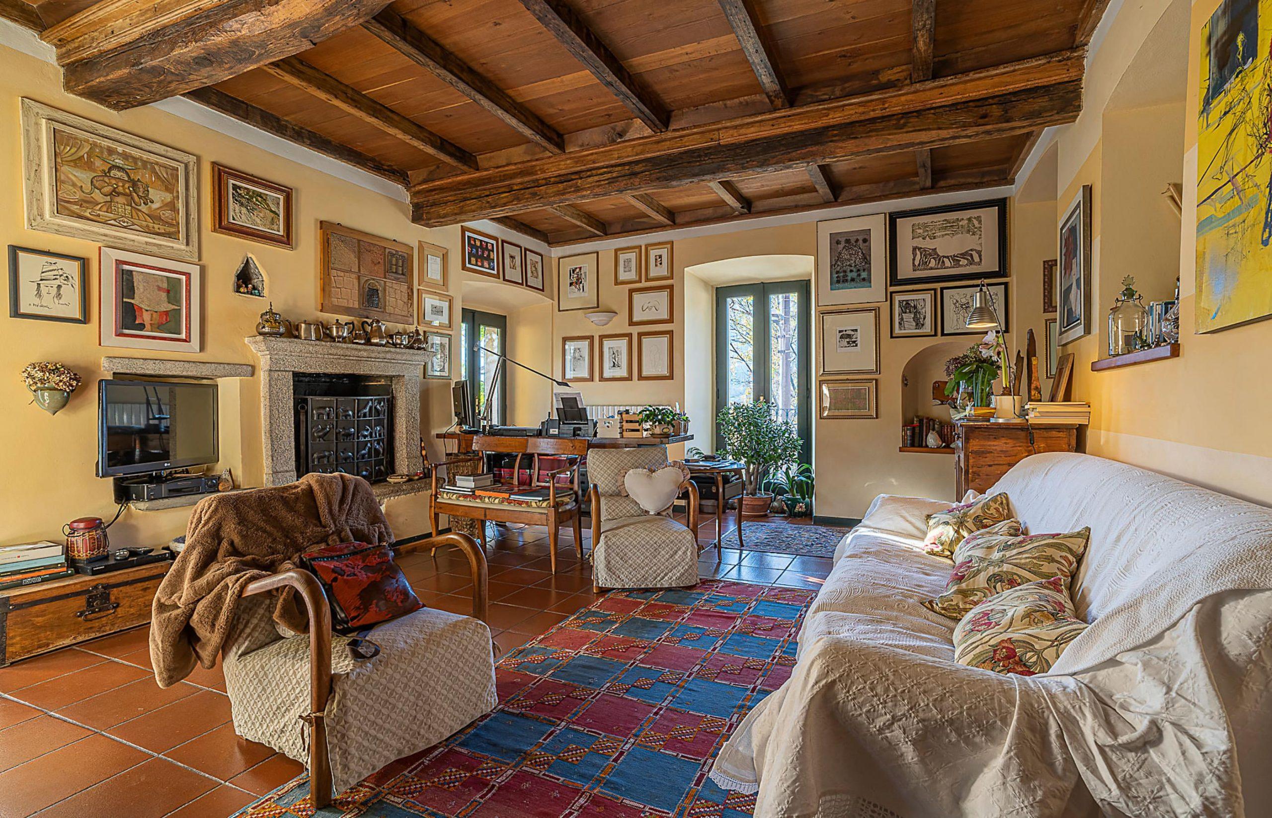 GRANEROLO Casa storica con giardino privato