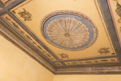 Orta Apartment with affrescos on the ceiling