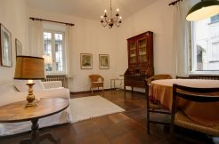 Orta Apartment in the city center near the Lake