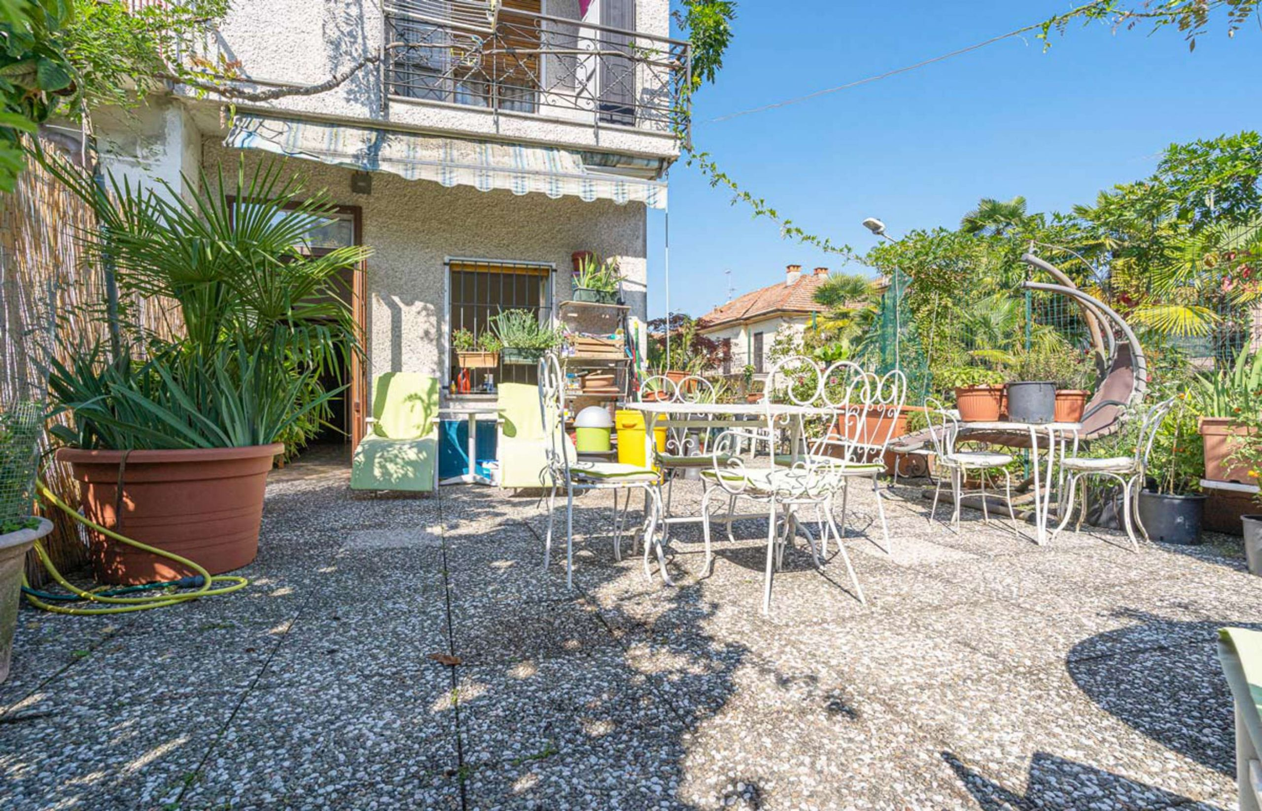 ORTA Apartment with a terrace and a garage