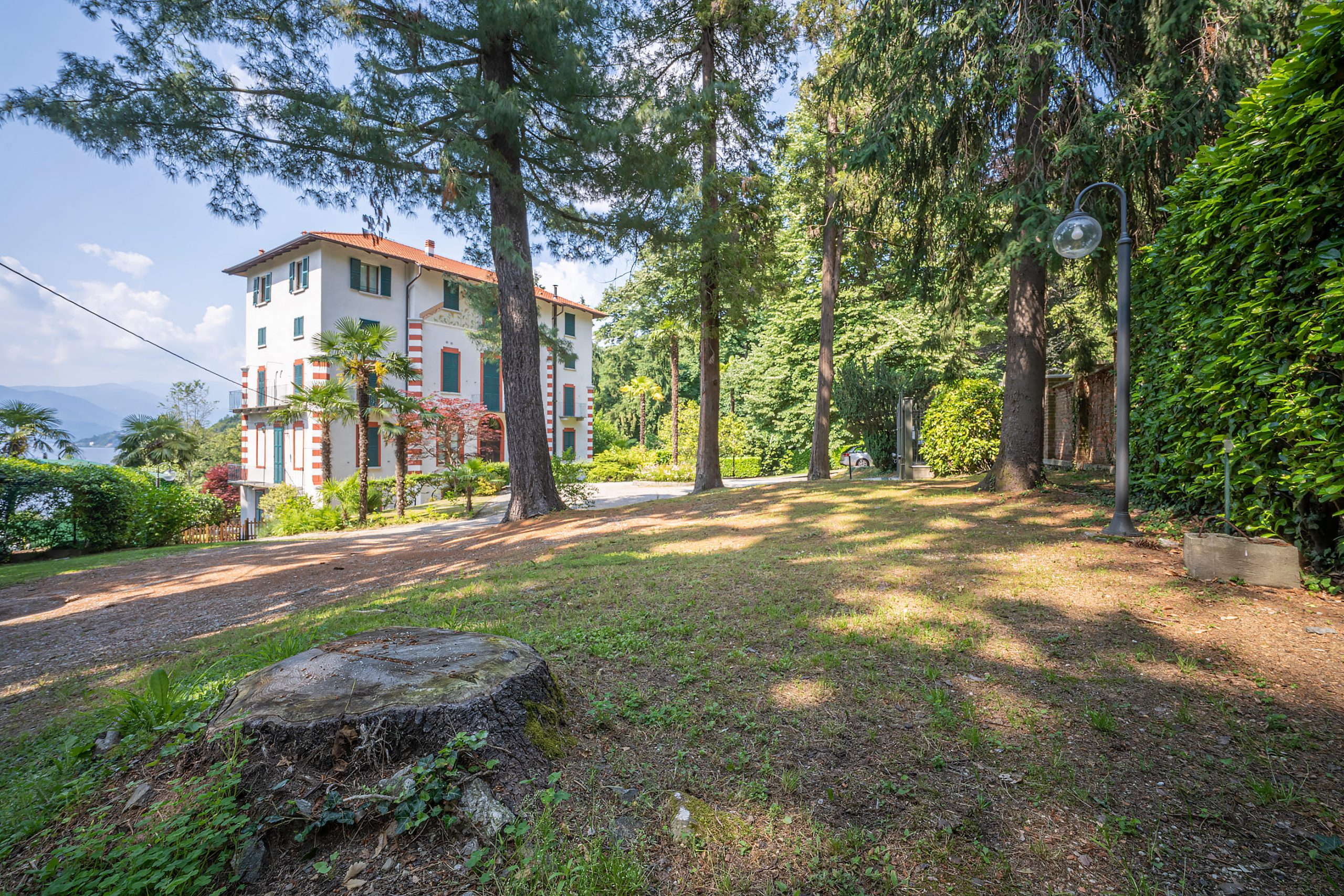GOZZANO Apartment with two bedrooms two bathrooms and a pool