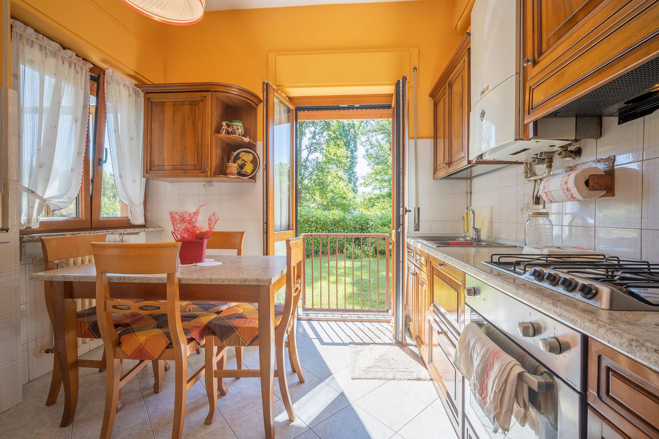 GOZZANO Appartamento con due camere e giardino